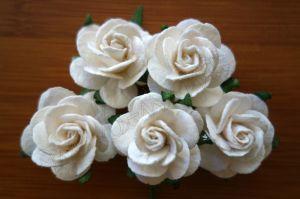 Бели цветя от мълбери хартия, 25 мм
