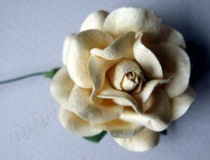 Кремава роза от мълбери хартия, 50 мм