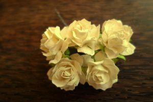 Пухкави рози, слонова кост, 30мм