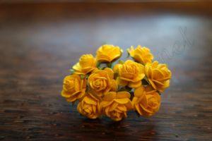 Рози, цвят патешко жълто, 10мм