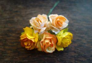 Пухкави рози, микс мандарина, 30 мм