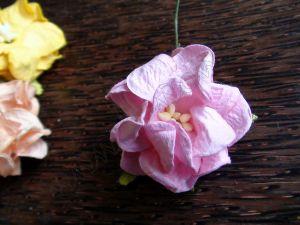 Гардения от хартия, 40 мм, розова.