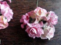 Къдрави рози от хартия, 37,5 мм, розови.