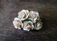 Рози, копринено-бежови, 25мм