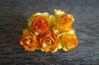 Пухкави рози, цвят мандарина, 30мм