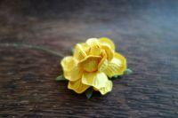 Къдрава роза, 50мм, жълта.