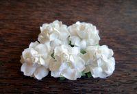 Къдрави бели рози, 37.5мм
