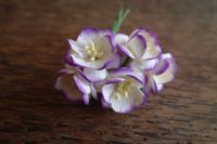 Черешов цвят от  мълбери хартия, цвят бели с лилави оттенъци, 25мм