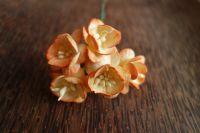 Черешов цвят от  мълбери хартия, преливащо оранжеви, 25мм