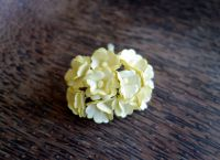 Цветя от мълбери хартия, бледожълти, 10бр., 20мм