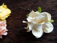 Гардения от хартия, 40 мм, кремава.
