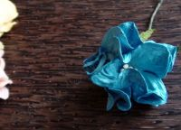 Гардения от хартия, 40 мм, тюркоазено синя.