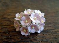Цветенца от мълбери хартия, бледорозово-бели на цвят, 15мм